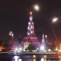 Wat Arun With Fireworks by Shreyas in Regular Member Gallery