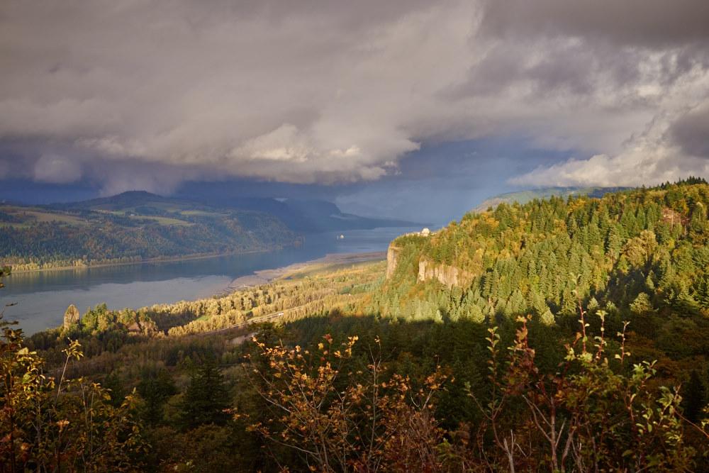 Columbia Gorge by GrahamWelland in GrahamWelland