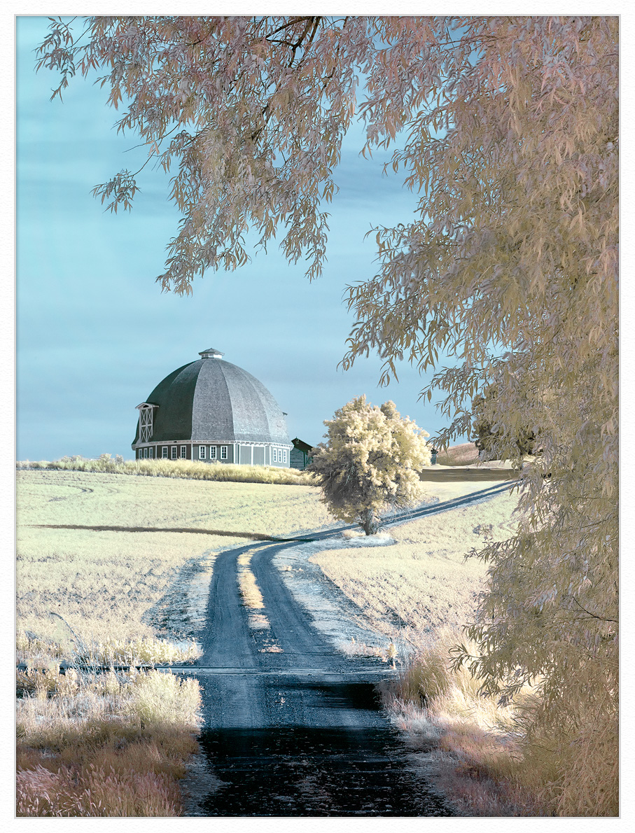 Palouse-circular-barn-ir-1k-framed by GrahamWelland in Regular Member Gallery