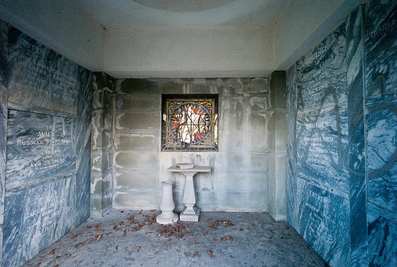 Looking into the Landa Crypt by johnastovall in johnastovall