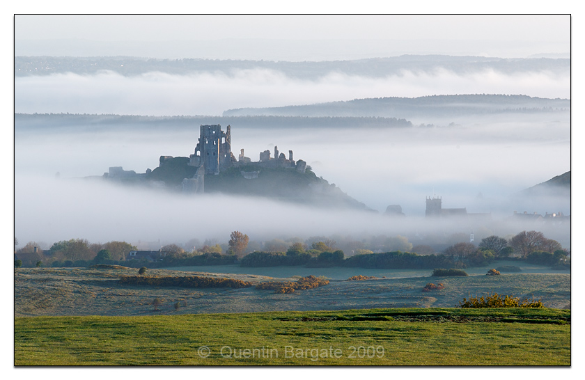 Corfe-castle-at-dawn by Quentin_Bargate in Regular Member Gallery