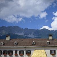 Goldenes Dach Innsbruck Tyrol by ptomsu