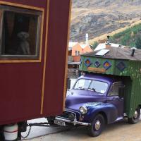 Morris Minor Housetruck by waynelake