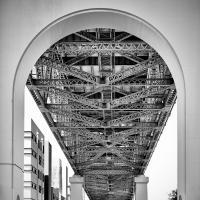 Underbelly of Story Bridge, Brisbane, Aus. by SahotaR