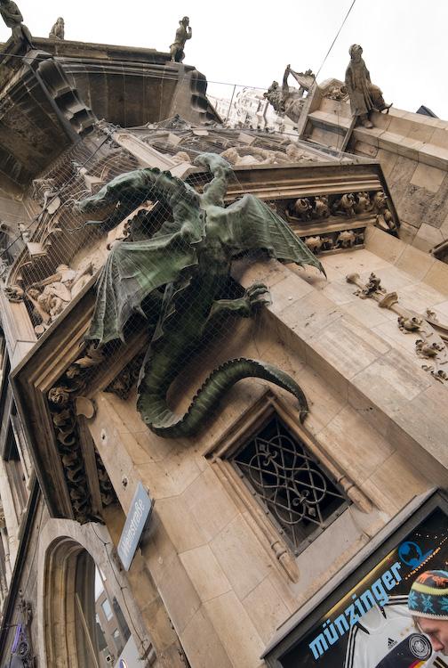 Some climb the Rathaus by Bob in 2007-12 Munich-Prague