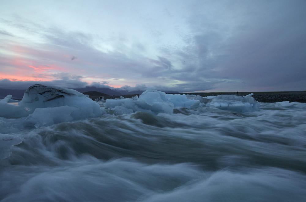 Icebergs Jam River