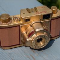 Gxr A16 Zoom - Ricoh 35 by woodmancy