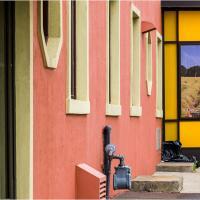 Pentax K5 With Pentax 18-135 Zoom  Hotel Oakville by woodmancy