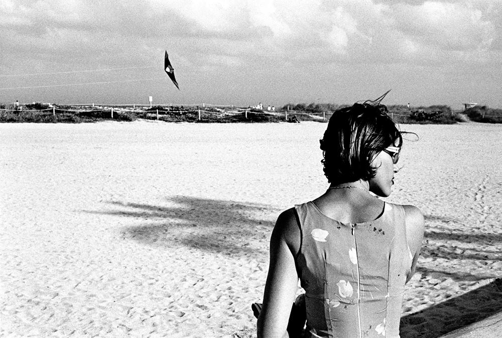 Girl & Kite, Miami by fotografz in fotografz