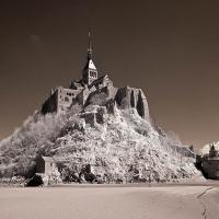 Mont-st.-michel (infrared) by Lisa in Regular Member Gallery