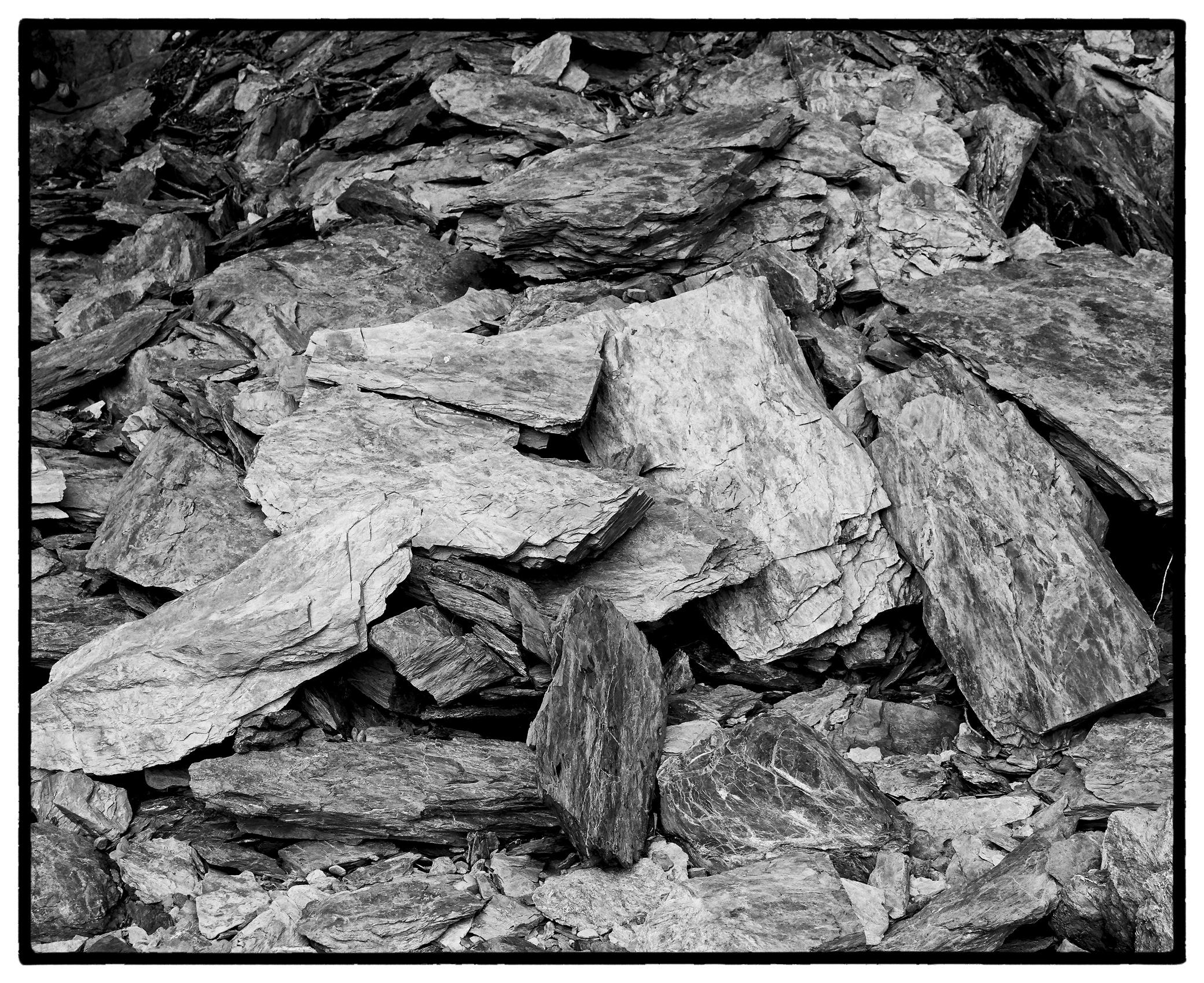 Rocks - Turnagain Arm near Hope by bensonga in bensonga