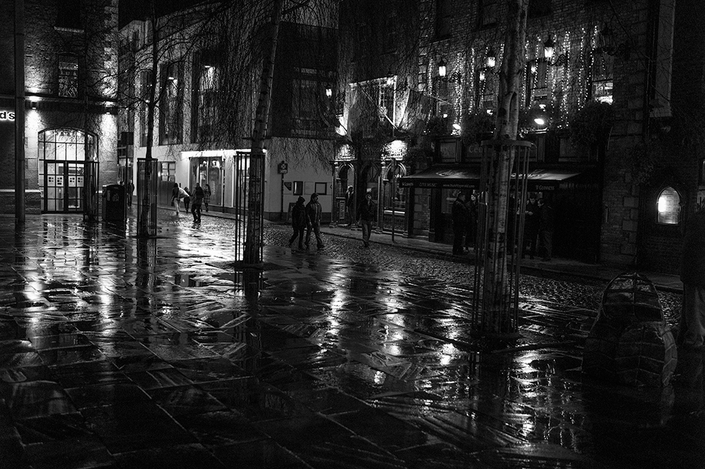 Night Rain In Temple Bar, Dublin by TimothyHyde in Regular Member Gallery